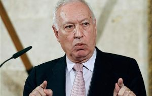 Spain's Foreign Minister García-Margallo said the planned refinery would be built on a site previously reserved for Russia's Rosneft