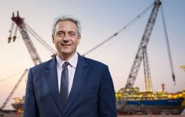 CEO Bruno Chabas, and Sietze Hepkema from the supervisory board, has agreed to a settlement which will be paid by the Amsterdam-based company.