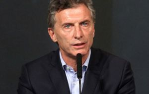 Macri short in Congress of sufficient support is wooing provincial governors and lawmakers with more funds and loans to have his legislative program passed.