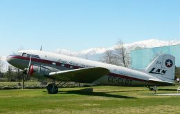 In mid February 1946 Lan's maiden flight between the capital Santiago and Punta Arenas took place; a year later, Jan 1947, the regular commercial link was started.