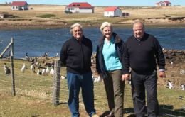 Former president Luis Alberto Lacalle with MLA Phil Rendell and lawmaker Jaime Trobo at Bleaker Island. (Pic FIGTwitter)