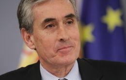 Spanish MEP Jauregui Atondo, tabled a question before the European Parliament in which he said that Gibraltar 'facilitates tax evasion and financial crime'.