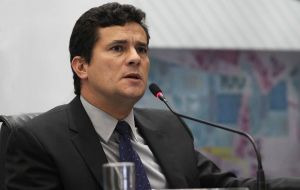 This would put him out of the reach of the judge in Curitiba Sergio Moro who is leading the inquiry into alleged money laundering and false declaration of assets.