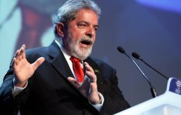 """When a poor man steals, he ends in jail; when a rich man steals he is named minister"", the phrase belongs to Lula da Silva, when he was leading the opposition."