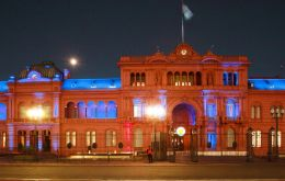 At 13:30 the two presidents will hold a press conference at Casa Rosada, and later Obama will cross Plaza Mayo to Buenos Aires cathedral
