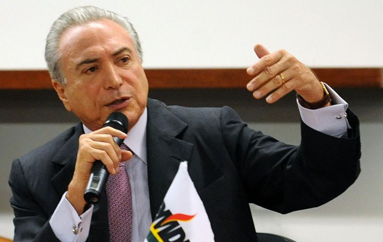 If Rousseff is finally impeached, Vice President Michel Temer, leader of the PMDB, will occupy the presidential seat.