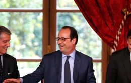 The companies signed a letter of intent at Elysee palace, reflecting the importance placed on the investment for President Francois Hollande employment policy