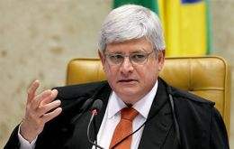 Prosecutor-General Janot had stopped the investigation of Neves last year but is now asking to reopen it based on plea bargain testimony from another senator