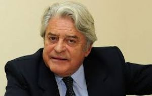 This year Luis Alberto Lacalle, a previous President of Uruguay, accepted our invitation to visit the Falkland Islands. His visit was a great success.
