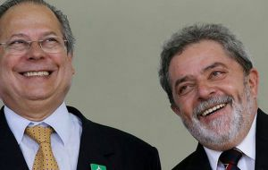 Dirceu and his good friend Lula da Silva when they were king of the hill, after winning the 2002 election.