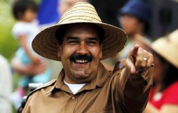 """Yes, I'm mad as a mad hatter, but mad with love for Venezuela, for the Bolivarian revolution, for Chavez and his example"", admitted Maduro"