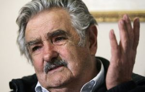 "Uruguay's former president Mujica and very close to Chavism joined the controversy saying that the Venezuelan president ""was mad as a mad hatter"""