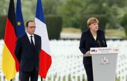 Hollande and Merkel said just as France and Germany had put aside their shared history to become close allies, EU must now pull together to deal current challenges. (Pic EPA)