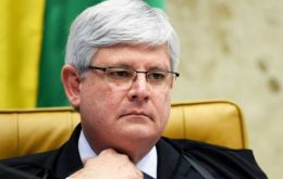 Media reported that Prosecutor Rodrigo Janot has asked the Supreme Court to authorize the arrests of four powerful leaders from the ruling PMDB of Temer