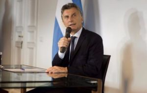 This means that with the Argentine petition having been accepted, as an observer country, president Macri is in condition of attending as an observer.