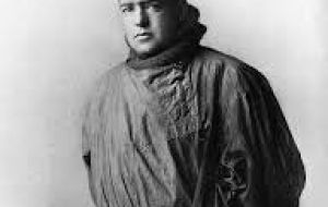 Sir Ernest Shackleton organized the rescue expedition from Punta Arenas with help from the Chilean navy