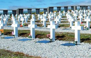 Malcorra mentioned the Red Cross exploratory to the Falklands for the identification of the remains of Argentine combatants buried in the Islands