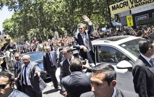 Bullrich also mentioned that when Macri took office none of the presidential cars was armored or sealed, so the president moved around in a normal sedan.