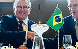 The agreement was signed by Petrobras' president and CEO, Pedro Parente, and Statoil's CEO, Eldar Sætre, during the ONS 2016 conference in Stavanger.