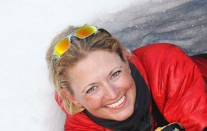 Lisa has worked in the polar tourism industry for over 15 years, successfully leading expeditions since 2007 for IAATO member operator, Lindblad Expeditions.
