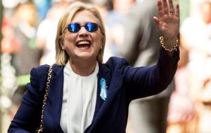 "Later in the day, outside Chelsea Clinton's apartment in Manhattan, Clinton from  the sidewalk waved and said, ""I'm feeling great. It's a beautiful day in New York."""
