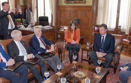 British MPs meet with Uruguay´s president of the Lower House, Gerardo Amarilla at the Palacio Legislativo