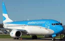 Aerolineas have cut non operational costs and increased revenue in the last nine months, but losses this year could reach a billion dollars