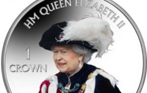 The reverse design depicts Her Majesty in the robes of the Order of the Garter, a centuries-old chivalrous order with roots dating back to 1348.