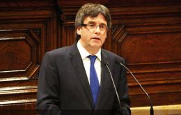 "Carles Puigdemont told Parliament ""We will look for an agreement (with Madrid) until the very end, we will at every moment work with the will to hold a referendum"""