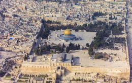 The resolution omitted the Jewish name for a shrine holy to both Jews and Muslims. It referred to the Temple Mount as the Haram Al-Sharif