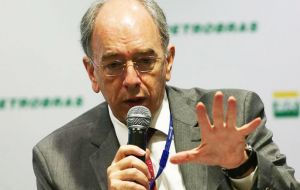 """The financial and administrative problems are being overcome little by little, Petrobras CEO Parente told the Rio conference"
