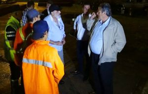 Maldonado Mayor Enrique Antia taking action in the face of severely adverse weather