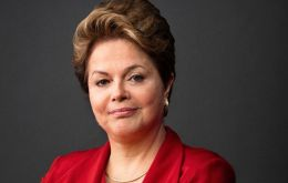 Dilma arrived from neighboring Rio Grande do Sul where the president is living since having been replaced by her ex vice-president, president Michel Temer.