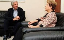 Dilma Rousseff with president Tabare Vazquez at the Suarez presidential residence