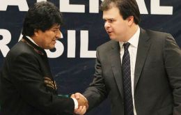 President Evo Morales and Brazil's Mines and energy minister, Fernando Coelho Filho, traveled to Santa Cruz for the signing ceremony.
