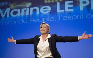 Polls suggest no left-wing candidate would make the second round, leaving Fillon a clear run at the anti-EU, anti-immigration National Front leader Marine Le Pen