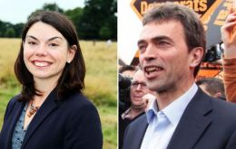 Lib Dem challenger Sarah Olney overturned MP Zac Goldsmith's 23,015 majority to finish 1,872 votes ahead.