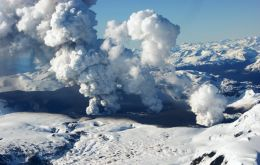 The growing activity was recorded in monitoring stations next to the Hudson volcano in Aysen and connected to the South Andes Volcanic Observatory