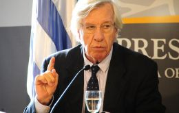 Economy Minister Danilo Astori anticipates half-point growth for 2016 as unemployment falls in Uruguay