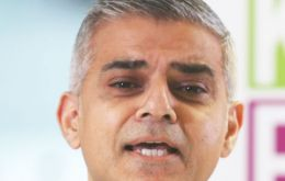 "London Mayor Sadiq Khan considering an end to binary ""Ladies and Gentlemen"" announcement"