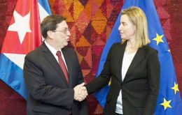 Federica Mogherini and Cuban Foreign Minister Bruno Rodríguez signed an agreement to restore relations between the island and Europe.