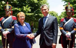 President Macri meet his counterpart Bachelet in his presidencial residence