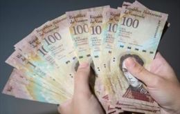 The 100-bolivar bills represent more than three-quarters of the money being used in Venezuela.
