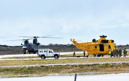 John Clifford pictures are more than illustrative of the spectacular operation to transport the Sea King by a Chinook, until it was finally landed at Stanley Airport