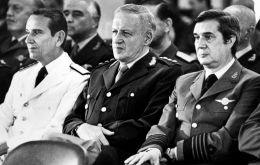 Brigadier Lami Dozo  R next to his Military Junta colleagues, General Galtieri ©and Admiral Anaya (L)