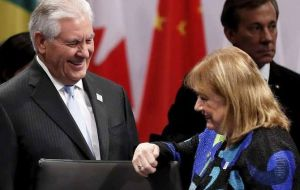 The Argentine minister meets her US counterpart Rex Tillerson in Bonn (Pic EFE)