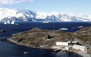 The +19.8°C (67.6°F) measured at BAS Signy Research Station on South Orkney Islands on 30 January 1982 is a record for the Antarctic region
