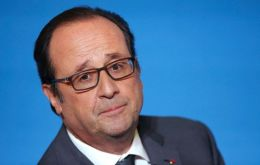 "President Hollande suggested that UK involvement in EU defence should continue, Europeans need to show strength and solidarity in the face of Trump's ""ignorance"""
