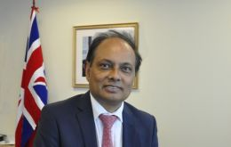 A distinguished witness of the debate will be HMA Anwar Choudhury , British ambassador to Peru.