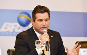 """The auction was a resounding success,"" said Transportation Minister Mauricio Quintella, highlighting the private investment without subsidized"